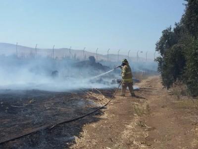 עמק המעיינות: שריפה גדולה באזור שדי תרומות, התושבים מתפנים