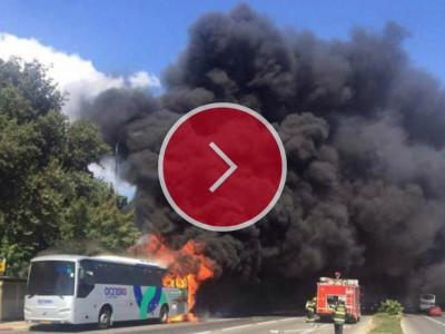 צפו: אוטובוס מעפולה לחיפה עלה באש, נוסעיו נמלטו בעור שיניהם