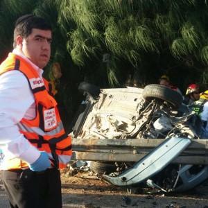 המכוניות התרסקו על מעקה הבטיחות