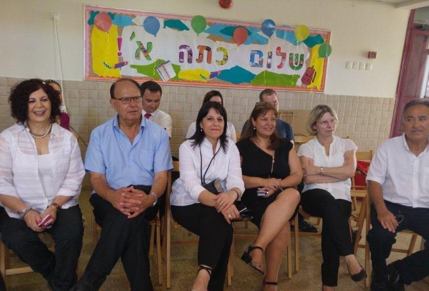 """מנהלת המחוז הצפוני במשרד החינוך, ד""""ר אורנה שמחון חונכת בית ספר חדש ביקנעם"""
