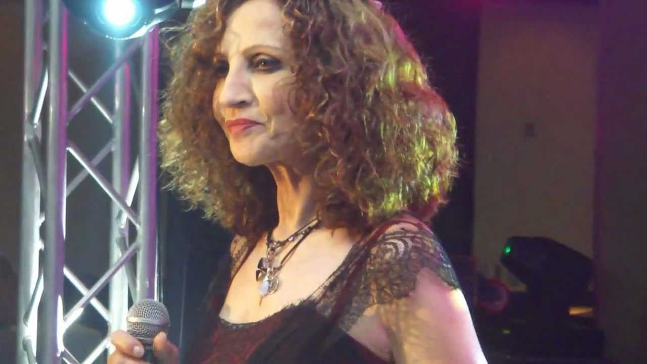 גם גליקריה הזמרת היווניה תבוא לעפולה