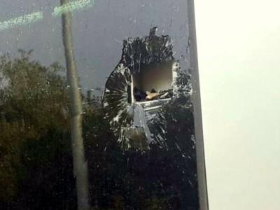 עמק יזרעאל: אישה נפגעה מאבן שהושלכה לעבר אוטובוס