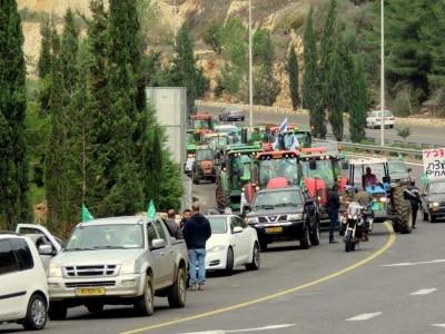 מוחים: חקלאי העמק הפגינו בבירה ירושלים