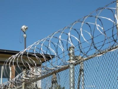 ביקורת פתע של בית המשפט במתקן הכליאה של העצורים שנמלטו