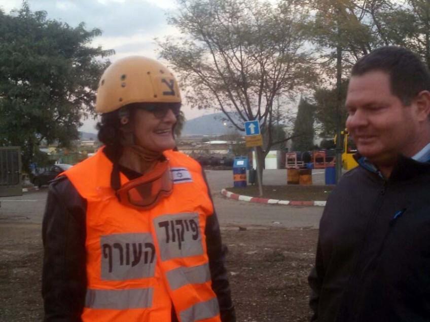 דפנה גייצמן מיזרעאלים – אדריכלית הוועדה לתכנון ובנייה, יחד עם עידו דורי סגן ראש המועצה