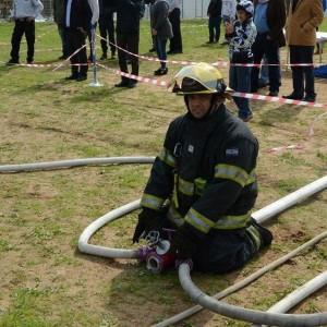 תצוגת תכלית של לוחמי האש לעיני תלמידים כעביה שבעמק יזרעאל