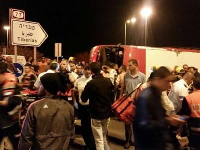 צפו: הרוג ו-19 פצועים בהתהפכות אוטובוס בעמק יזרעאל
