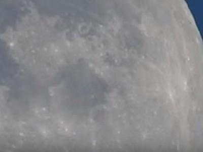 בהתחלה זה נראה כמו עוד ניסיון כושל לצלם את הירח. ואז קרה משהו מדהים