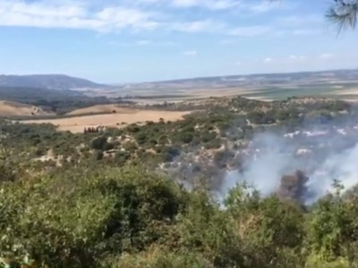 מגידו: רוכבי טרקטורונים ומטיילים פונו בעקבות השריפה