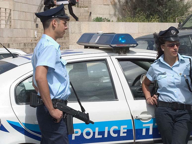סמים ושקלים: שוטרים פשטו על בית בבית שאן ונדהמו