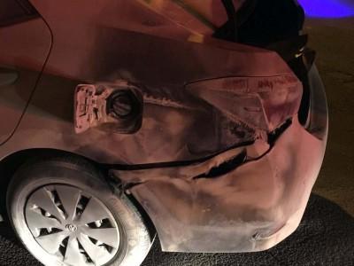 תיעוד מפחיד: רכב החל לבעור בתחנת דלק בשל חשמל סטטי