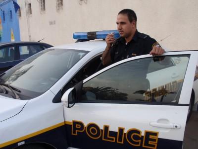 חסר מזל: ביקש משוטר שיסתיר אותו מפני המשטרה