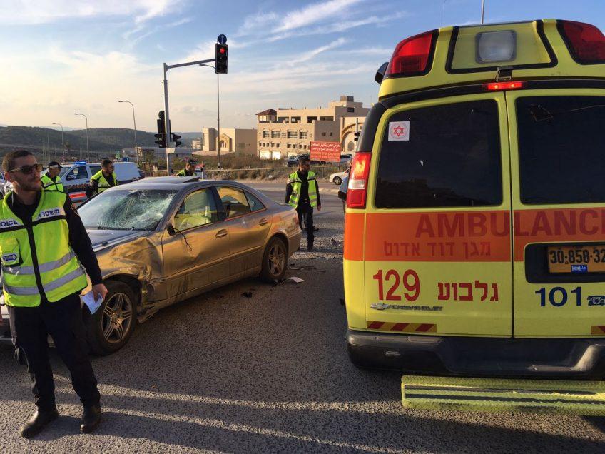 עפולה: בן 40 נפצע קשה בתאונת דרכים