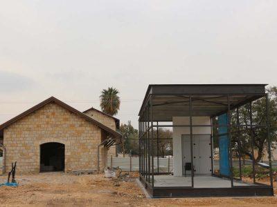 עפולה: שמונה מבני המסחר הראשונים במתחם התחנה הגיעו לעיר