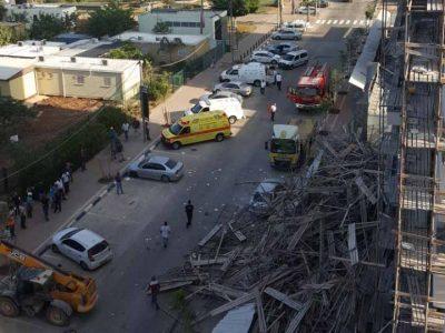 עפולה – רובע יזרעאל: ארבעה עובדי בניין נפצעו בקריסת פיגום