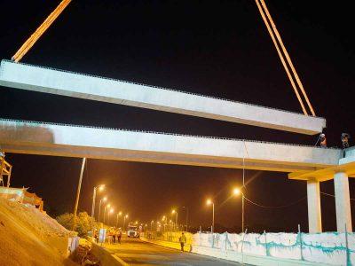כביש 77: הונפו והורכבו קורות כבדות של גשר מחלף הושעיה החדש