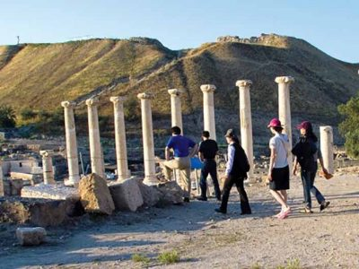 הגן לאומי בית שאן נמנה עם האתרים המובילים בארץ במספר התיירים