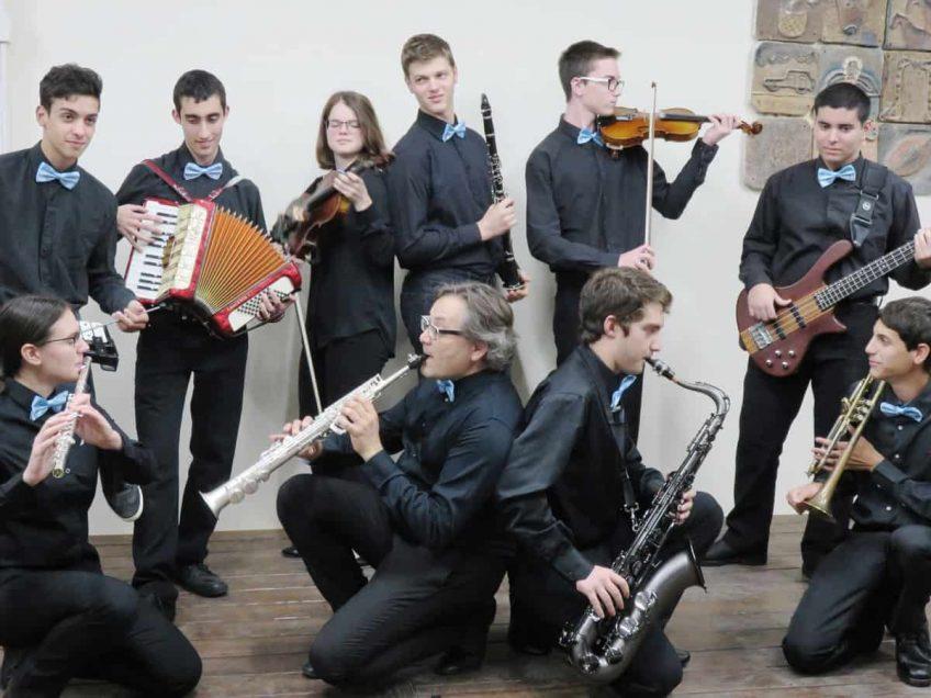 """""""אור לגויים"""": מסע הופעות ייחודי ברוסיה של תזמורת הכליזמרבנד מהגלבוע"""