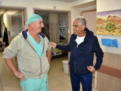 """מרגש: לפני שנכנס לניתוח לב מורכב- האב ראה את בתו לראשונה עם מדי צה""""ל"""