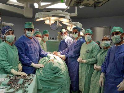 בתום ניתוח של 12 שעות: לסת של בת 59 מהצפון שוחזרה באמצעות עצם מהרגל