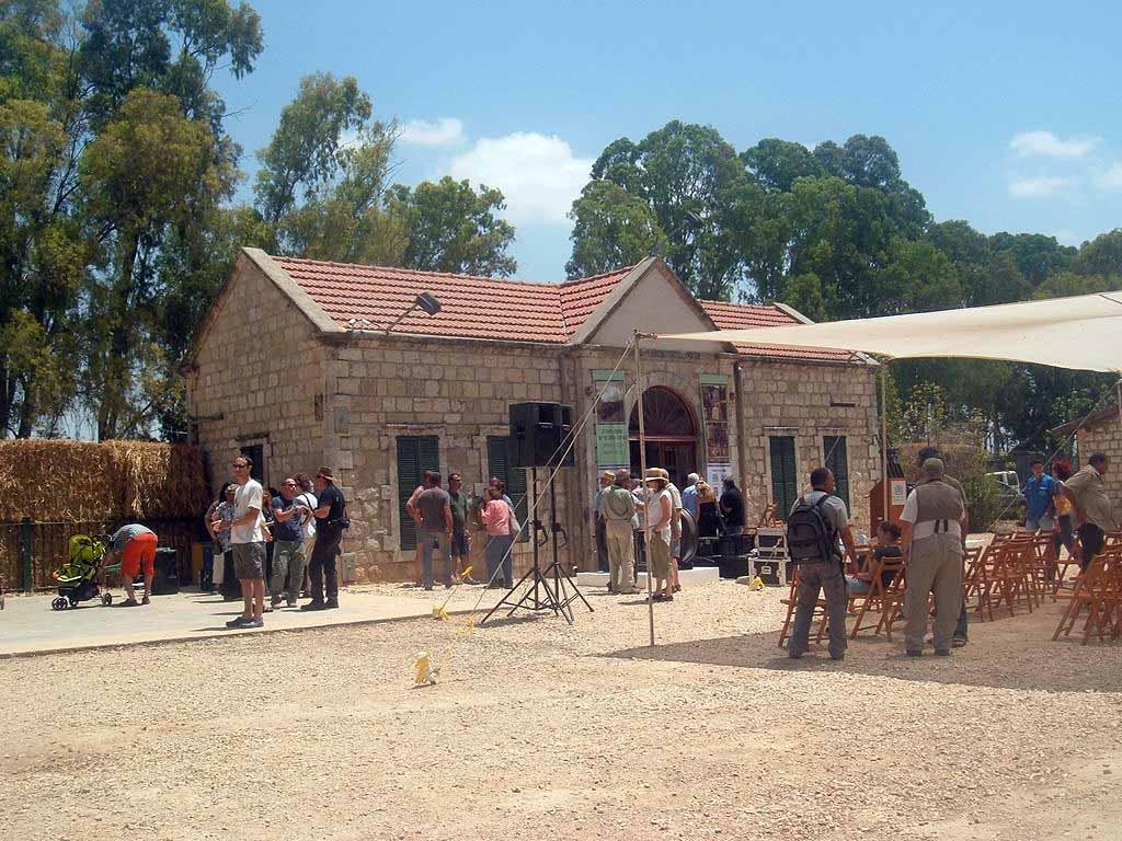 מתחם תחנת הרכבת ההיסטורית בכפר יהושוע. צילום: אלמוג