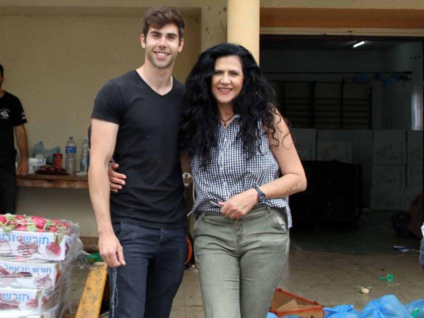 יפים בחוץ ובלב: אלונה ונווה סדן בקמחא דפסחא בגלבוע, תכירו את הכוח הנשי אומנותי משוק עפולה. פלאש! – רכילות בעמק