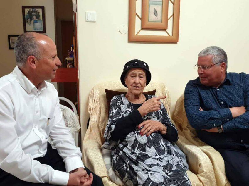 """מדליקת המשואה מארי נחמיאס: """"תושבי עפולה הם המשפחה הגדולה שלי"""""""