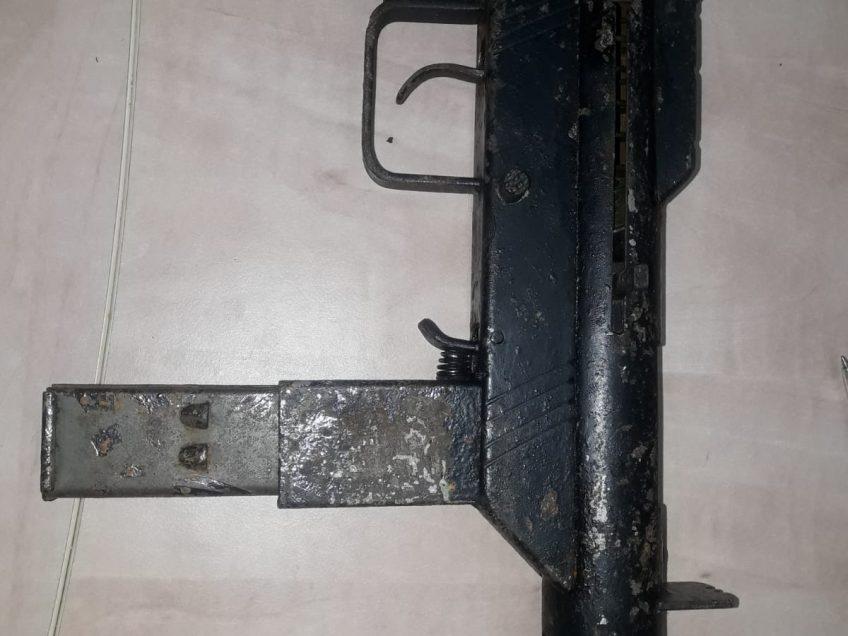 עפולה: נשק מאולתר וטעון התגלה במקלט