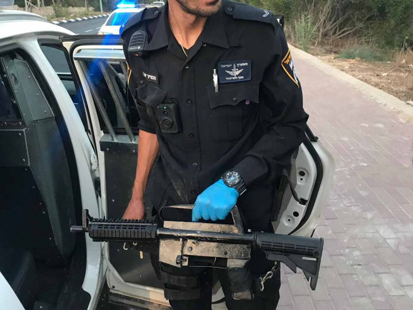 """השוטרים גילו """"הפתעה"""" ברכב: רובה M-16"""