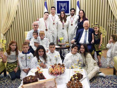 תלמידי ויצו ניר העמק במפגש מרגש עם הנשיא ריבלין