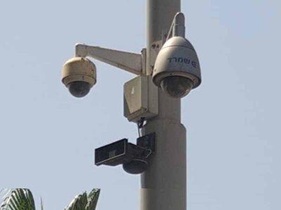 האח הגדול רואה ועכשיו גם שומע: מערכות כריזה נוספו למצלמות בעפולה