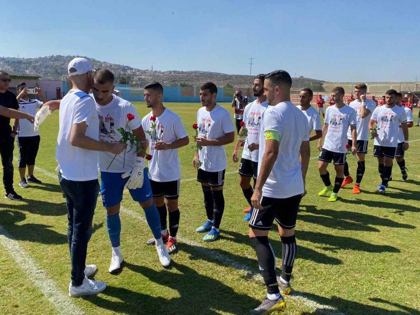 לא רק כדורגל: מחווה מרגשת למאמן מגדל העמק אילן סוויסה