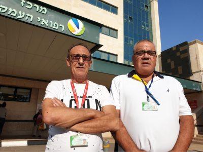 """תכירו: המלאכים מ""""העמק"""" שהצילו צעיר בן 32 שלקה בליבו בחצר בית החולים"""