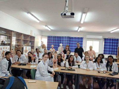 אורט עפולה עלית: משלבים בין הצלת חיים להוראה במגמת הרפואה