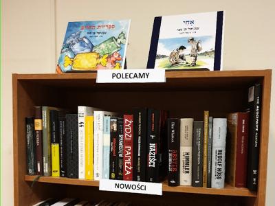 """81 שנים לליל הבדולח: ספריו של הסופר העפולאי בן סבו הוצבו בספריית מוזיאון השואה ב-""""אושוויץ-בירקנאו"""""""