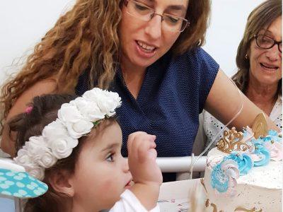 מרגש: חגיגת יום הולדת לשירי שנולדה עם מחלה נדירה