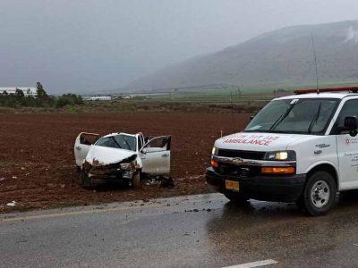 גלבוע: רכב התהפך בכביש 716 , אדם כבן 54 נפצע באורח בינוני