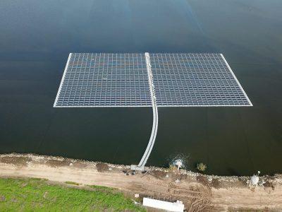 גלבוע: לראשנה בארץ מערכות סולריות צפות בבריכות הדגים במועצה