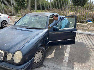 המרצדס תחולט: נתפס נהג מבוגר ללא רישיון נהיגה ורכב תקף וללא ביטוח