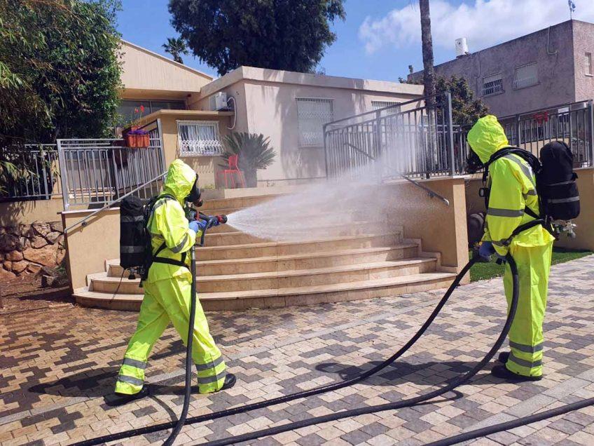 עפולה: לוחמי אש ביצעו פעילות חיטוי נגד הקורונה בבית האבות משלב