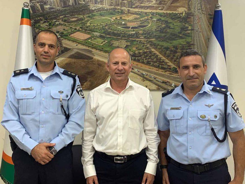 אבי אלקבץ נפגש עם מפקד תחנת המשטרה הנכנס בעפולה