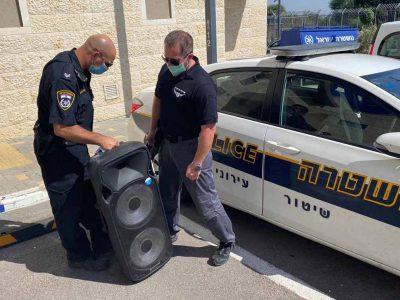 נוף הגליל: המשטרה נעזרה בכוחות כיבוי לעצור מסיבה רועשת