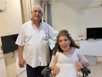 מרגש: הנהג שמסיע דיירת במרכז שיקום במגדל העמק – שימש כעד בחתונה שלה