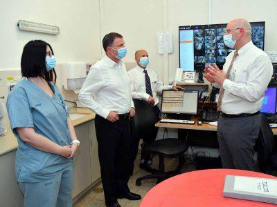 שר הבריאות יולי אדלשטיין ביקר במרכז הרפואי העמק