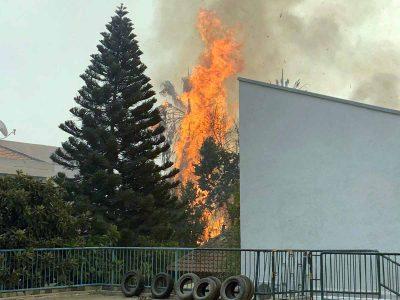 """""""לוחמי האש נלחמו מבית לבית"""""""