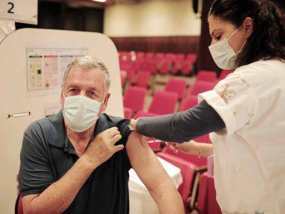 """""""מתחסנים יחד"""" – יום חיסונים מרוכז לוותיקי עמק יזרעאל"""