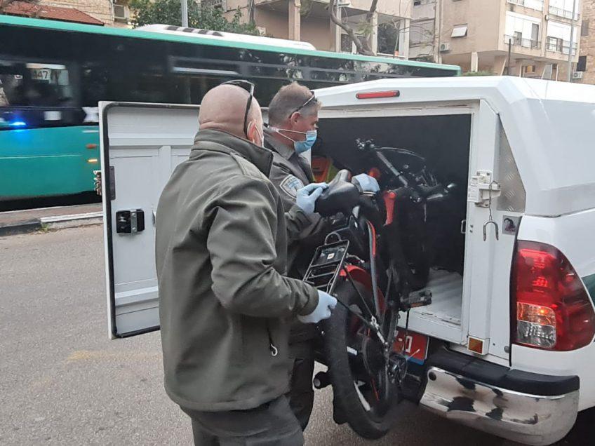 פנצ׳ר בתוכניות: המשטרה תפסה חשודים שגנבו 9 אופניים מסוגים שונים באזור