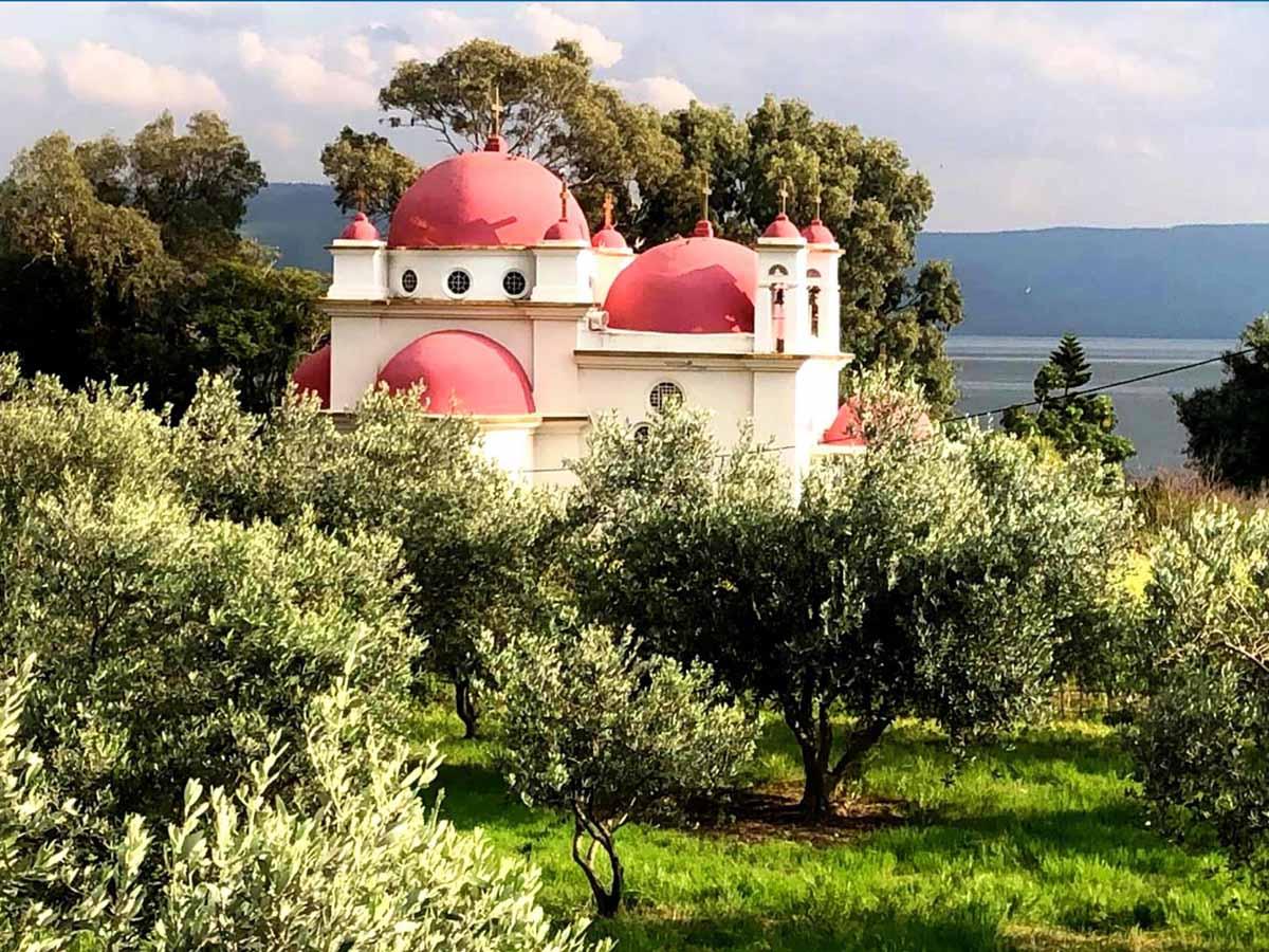 כנסיית שנים-עשר השליחים בכפר נחום-צילום דניאל וקנין