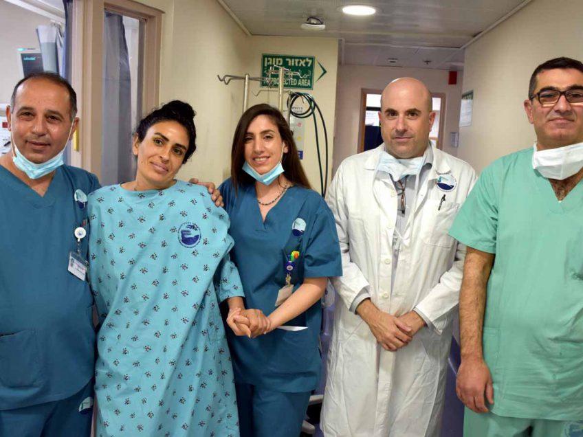 דרמה רפואית: גננת חזרה לחיים לאחר כ- 50 שוקים חשמליים
