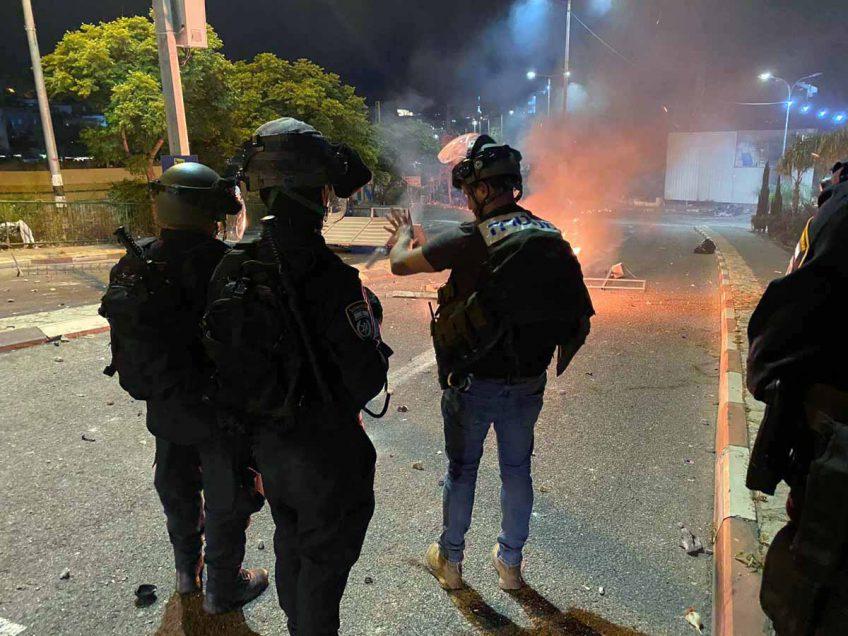 פרקליטות מחוז צפון: כתבי אישום נגד 10 נאשמים בגין התפרעויות, ותקיפות שוטרים בגל האלימות